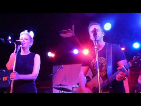 Thompson Square-Live-