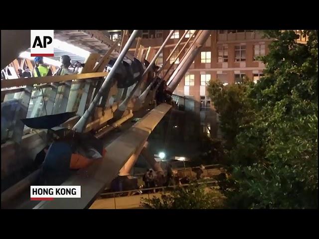 人鏈、垂繩、機車隊! 理大圍城看見香港人的韌性與人性