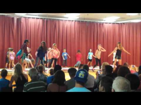 Taylor Ranch Elementary school doing wipe and nae nae with my friends doing the talent show