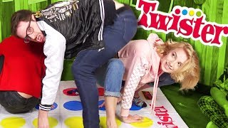 PLAYING TWISTER w/ TONGUE TWISTERS (The Show w/ No Name)