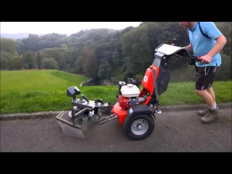 K1500 Kersten sweeper WeedBrush clearing moss on tarmac