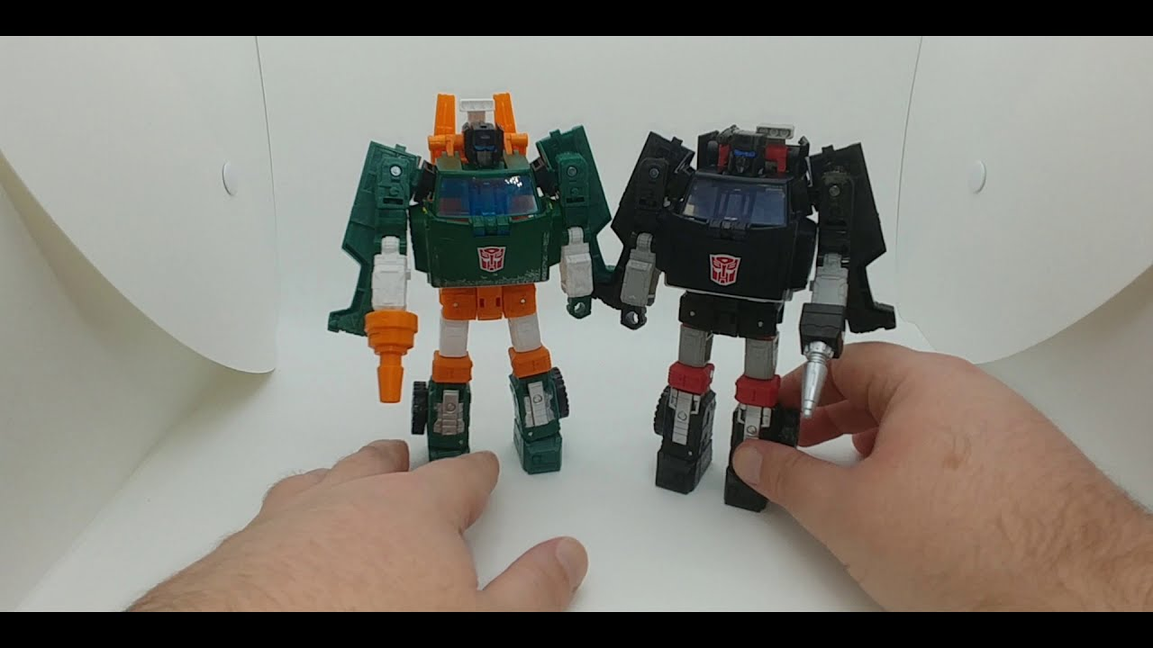 Chuck's Reviews Transformers Earthrise Trailbreaker