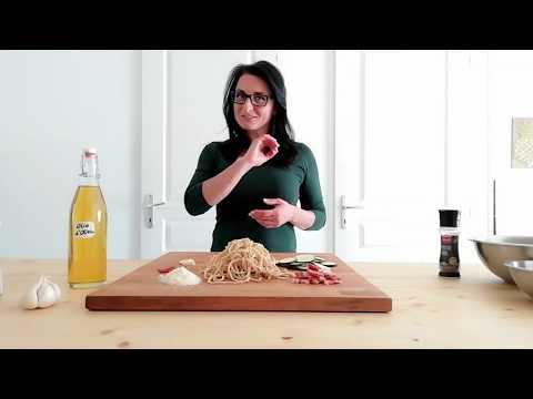 recette-de-pâtes-par-eleonora,-une-italienne-qui-a-du-goût--pancetta-courgette-