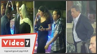 سهير رمزى ودنيا والمخرج أحمد صقر أول الحاضرين لعزاء والدة المنتج ممدوح شاهين