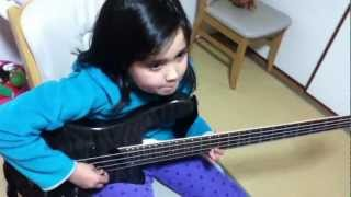 ロックスミス Audrey(9 years old) Plays Surf Hell - Little Barrie 10...