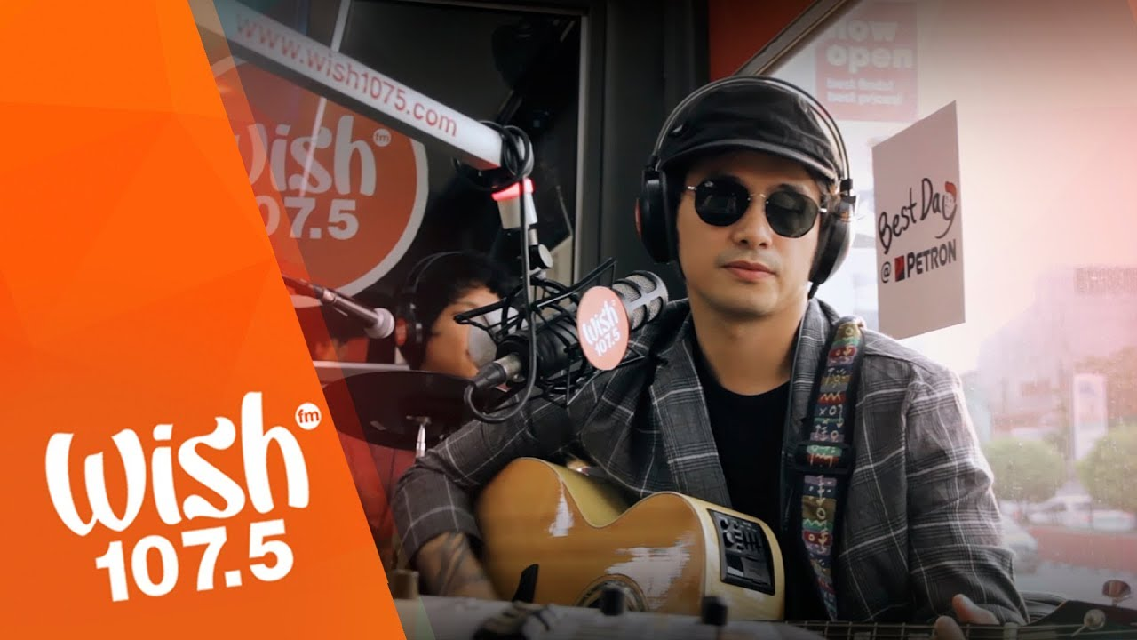 Callalily performs