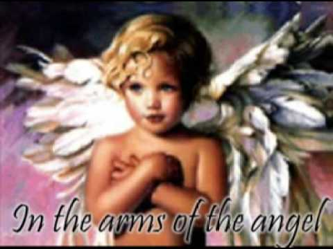 Kelly Clarkson- In The Arms Of An Angel