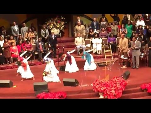West Angeles COGIC Watch Night-Praise Dancers-I Never Lost My Praise by Tramaine Hawkins