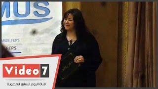 تكريم مى نور الشريف وصفوت العالم فى افتتاح نموذج اليونسكو بجامعة القاهرة