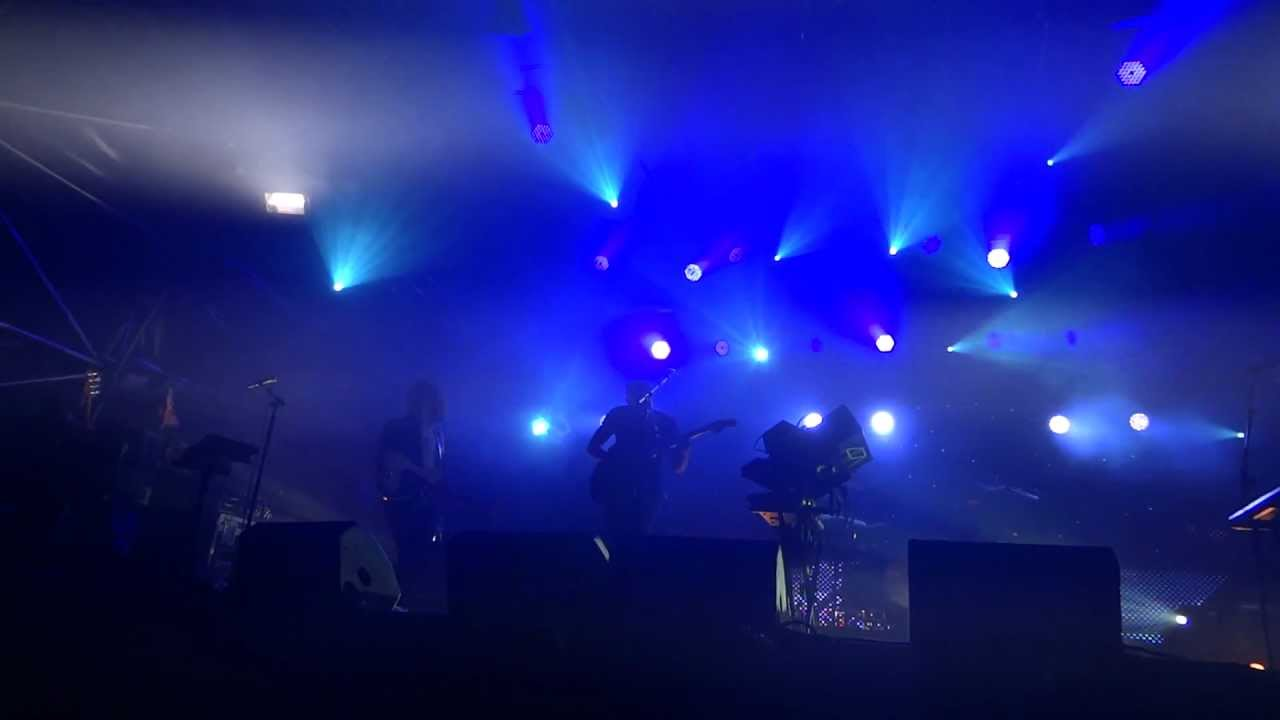 m83-my-tears-are-becoming-a-sea-somerset-house-london-160712-knappafire