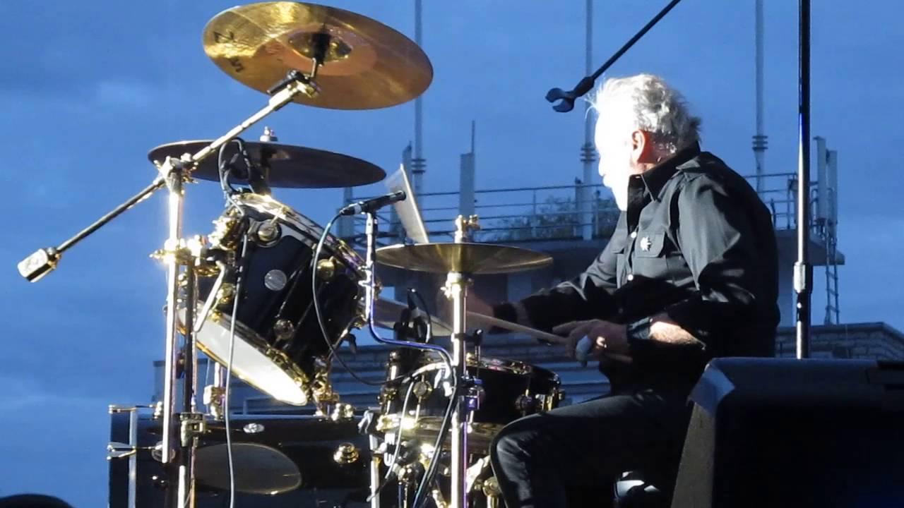 Drum Battle Roger Taylor Vs Rufus Taylor Queen Adam Lambert