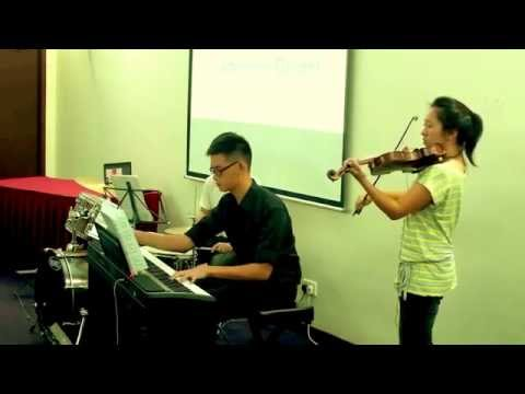Check out About Music - A Singapore music school that offers piano, guitar, violin and drum lessons