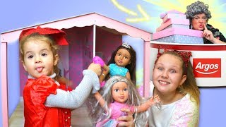 Granny's Surprise Present! Ruby & Bonnie play with new dolls and toys
