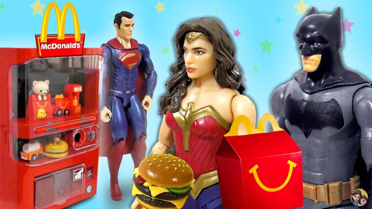 LIGA DA JUSTIÇA NO MCDONALD'S! Batman, Mulher Maravilha e mais - Coleção de Bonecos Mattel DC Comics