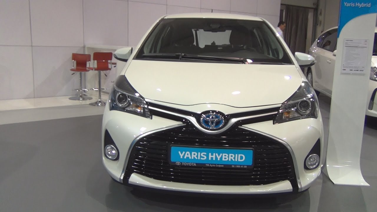 Toyota Yaris Hybrid 15 eCVT Chic 2016 Exterior and Interior in