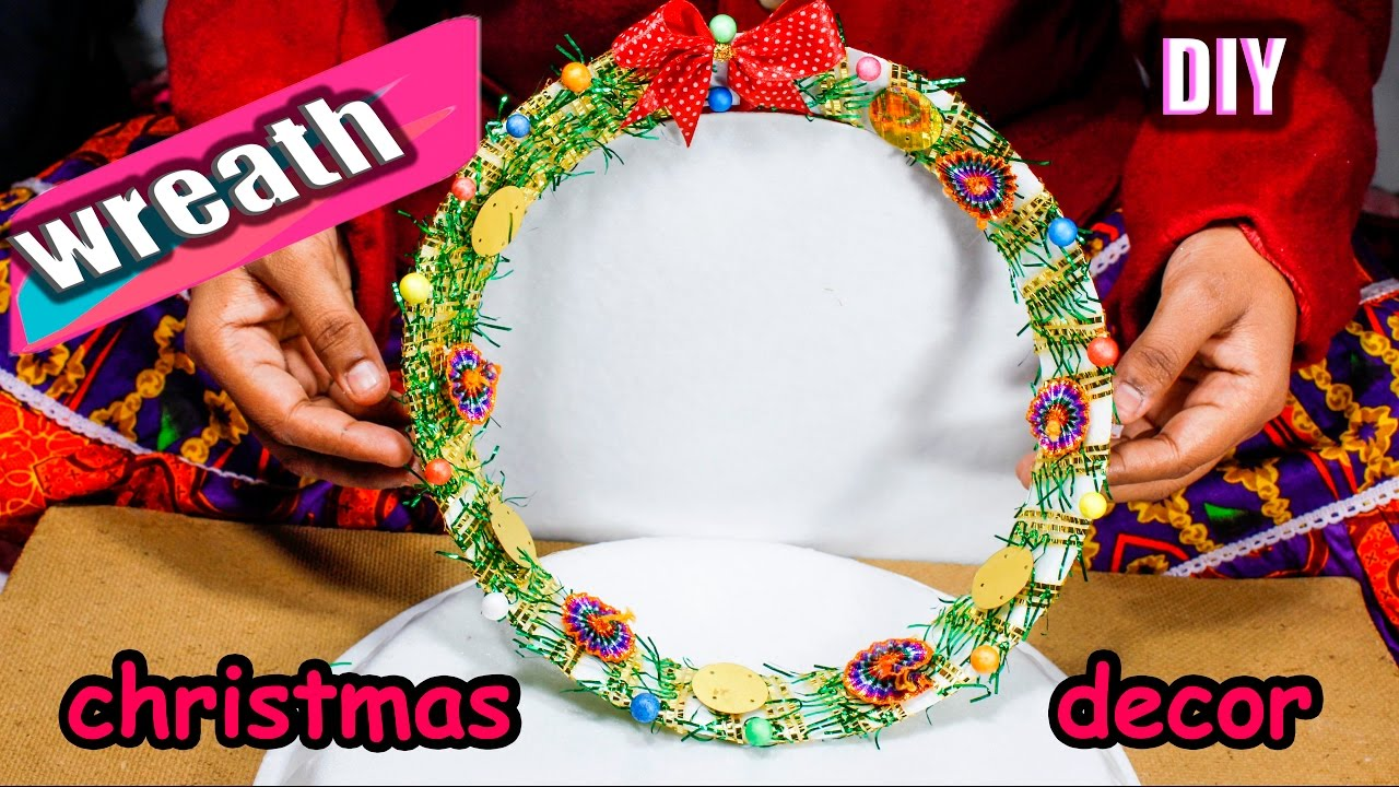 How to make wreath from waste material diy christmas for Room decoration from waste material