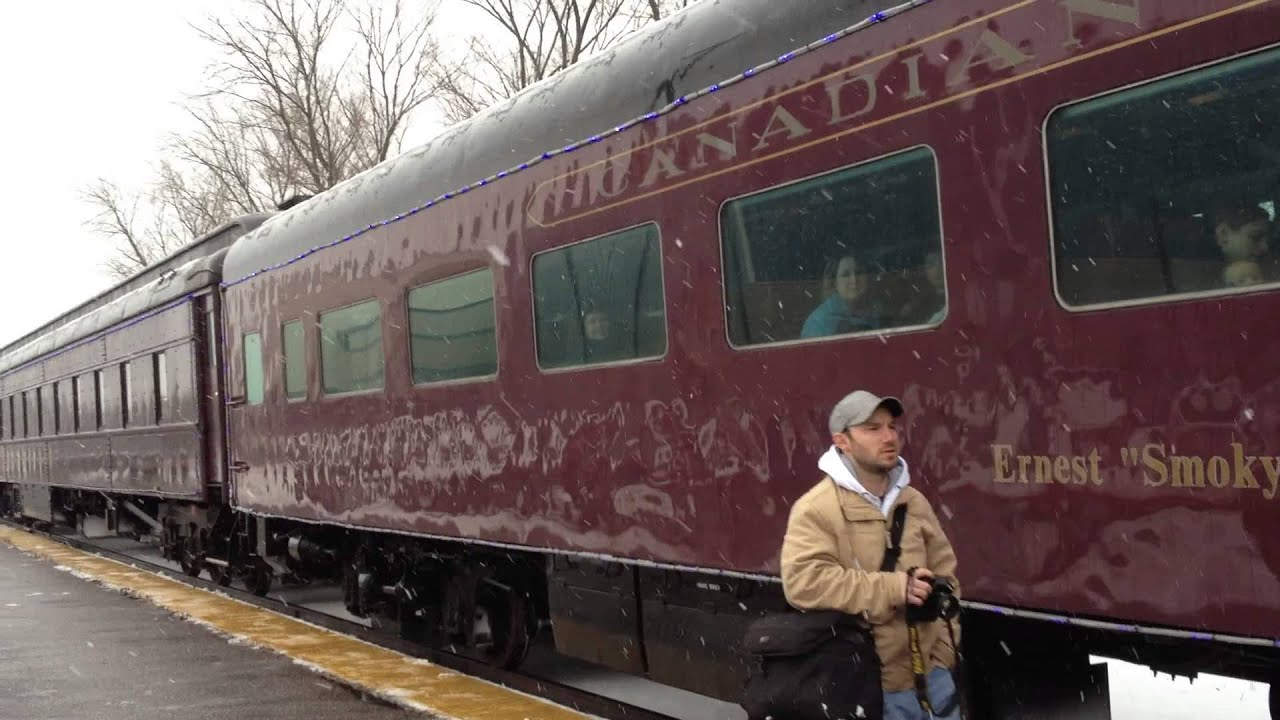 canadian pacific christmas train arrives in wisconsin dells wisconsin 2012 part 1