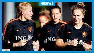Waarom spelen de Oranjevrouwen niet in een groter stadion?