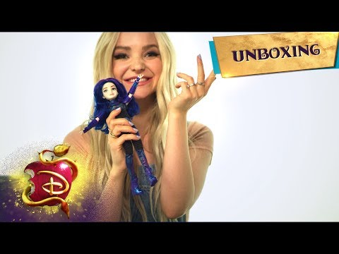 The Mal Dolls 💜 | Unboxing With Dove Cameron 📦 | Descendants 3