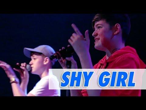 Max & Harvey - Shy Girl (LIVE)