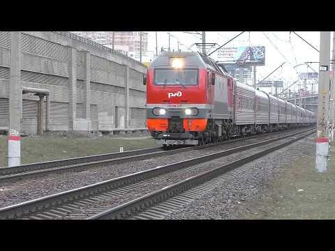 Электровоз ЭП2К-227 (ТЧЭ-8) со скорым поездом №119А Санкт-Петербург - Белгород.