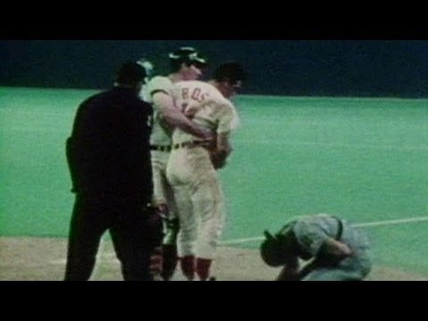 1970 All-Star Game: Rose knocks over Fosse to score