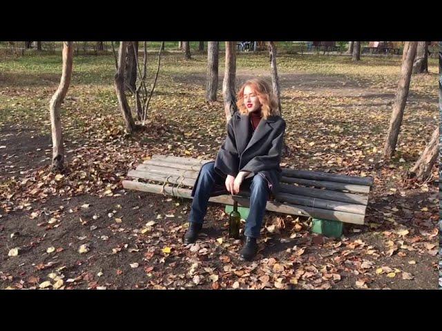Изображение предпросмотра прочтения – TatianaChernonojkina читает произведение «Снова здесь пьют, дерутся и плачут» С.А.Есенина
