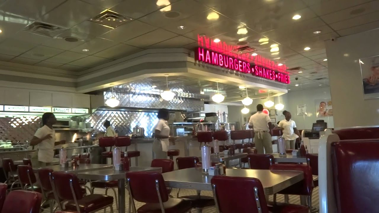 Johnny Rockets Restaurant Paradise Island Bahamas Dance Miquelli S Amerikablog