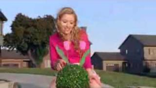 British Commercial for Women Shaving Pubic Hair