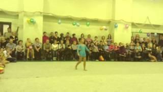 Первое выступление. Детская гимнастика. Аня Никишина.