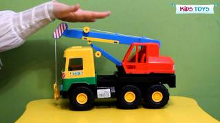 Подъемный кран Wader Middle Truck(Видеообзор игрушечного подъемного крана серии Middle Truck от польского производителя пластиковых игрушек..., 2012-02-13T22:26:55.000Z)