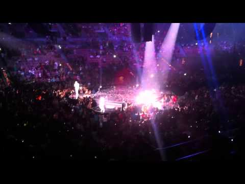 boyz-ii-men---end-of-the-road-(clip)---live---the-package-tour-concert-in-las-vegas-july-6,-2013