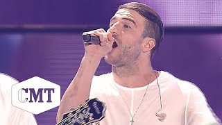 Sam Hunt Performs 'House Party' at the 2015 CMT Music Awards 🎉