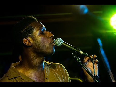 Galaxy Barn (S03E04) Leon Bridges - Flowers @Pickathon 2015