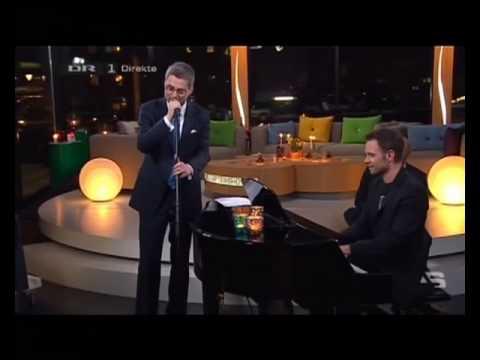 Aftenshowet 2010 - Søren Pind synger Elvis - Mads Granum Piano