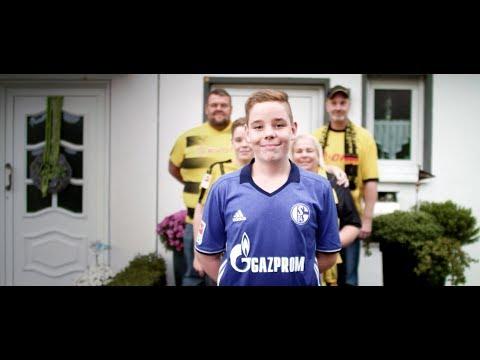 KÖNIGSBLAUE AUSWÄRTS. Echte Schalker. Echte Geschichten. (Teil 2)