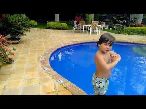 Que hacer en la piscina doovi for Que hacer en la piscina