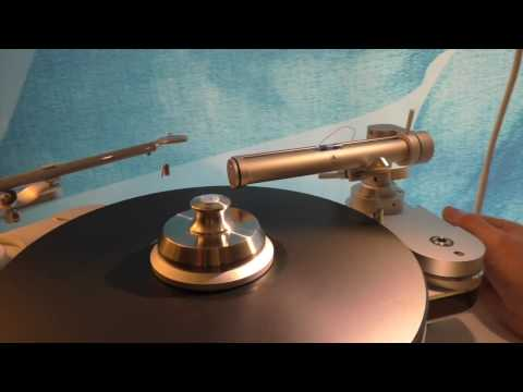 CES 2017: Clearaudio's Impressive Turntable Line Up Explained