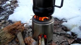 DIY UPCYCLED COFFEE CARAFE ROCKET STOVE IN THE FIELD