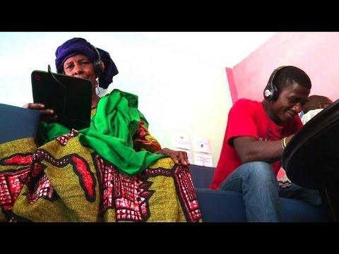 Weltweit erstes Tablet-Café in Dakar: Neuer Weg ins Web
