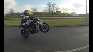 Yamaha MT 07 akrapovic and group Ride in the City