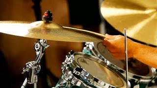 How to Play the Roll of a Crash Cymbal | Drumming