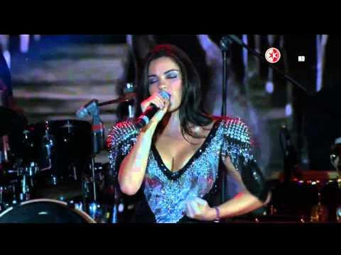 Maite Perroni @maiteoficial Canta Ese de Luna