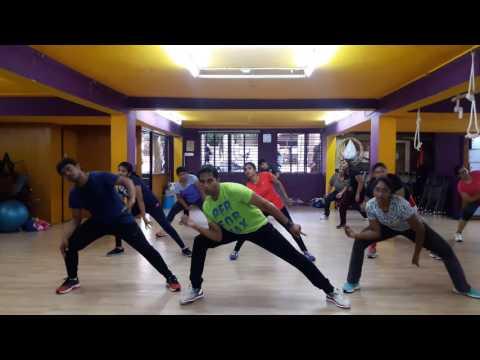 Aaj Blue Hai Pani Pani Sunny Sunny Yaariyan Full Song - Yo Yo Honey Singh, by