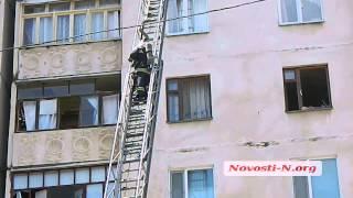 Видео Новости-N: пожар во взорвавшемся доме в Николаеве(, 2014-05-12T11:57:39.000Z)