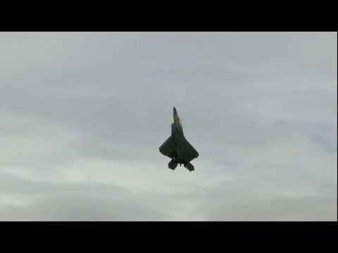 F22 RAPTOR UNBELIEVABLE TAKE OFF FAIRFORD 2010