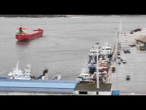 El barco que garreaba sin gobierno en Viveiro