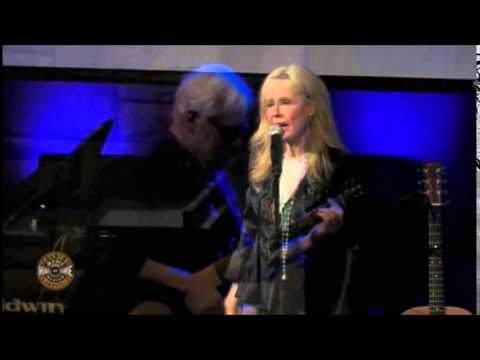 """""""BETTE DAVIS EYES"""" (live from Country Music Hall of Fame) - KIM CARNES"""