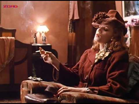 Emily Lloyd smoking in movie Chicago Joe and the girl