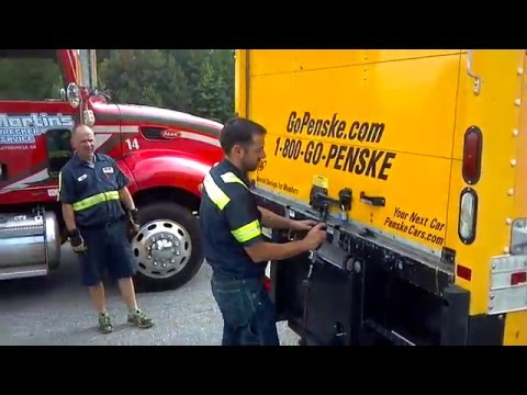 Master Lock Vs Penske Tow Truck Martin Air Saw Part 1